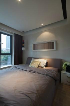 现代风格110平米二居室卧室装修效果图
