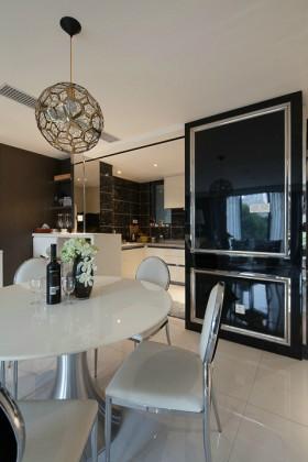 现代风格餐厅白色餐桌椅图片
