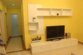 东南亚风格客厅黄色电视背景墙装修图片欣赏