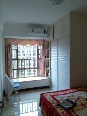 现代风格两室一厅卧室飘窗装修效果图