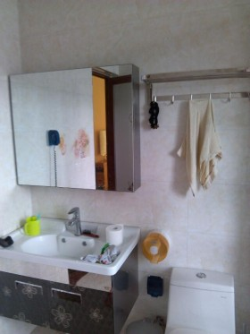 现代整体浴室柜图片欣赏