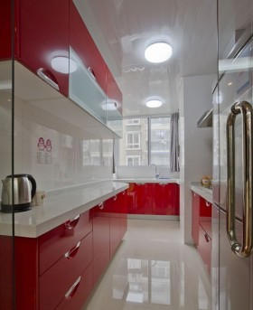 现代厨房红色橱柜效果图片
