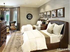 欧美风格双人卧室装修效果图
