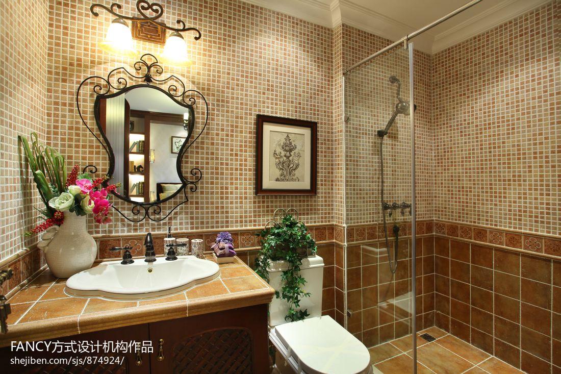 美式别墅卫生间瓷砖墙裙效果图图片