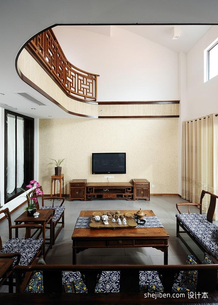 中式别墅挑高客厅电视墙装修效果图欣赏