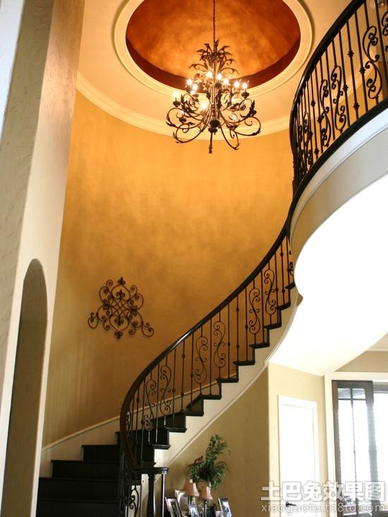 别墅楼梯吊顶欧式铁艺吊灯效果图