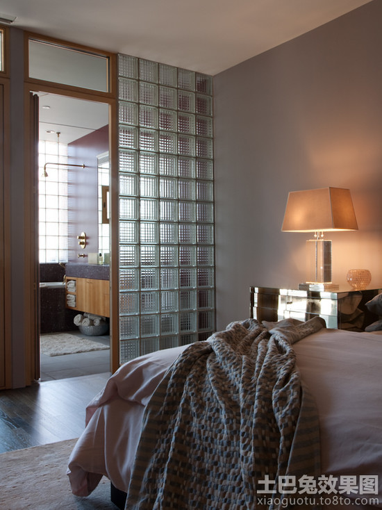 主卧室卫生间玻璃砖隔墙图片
