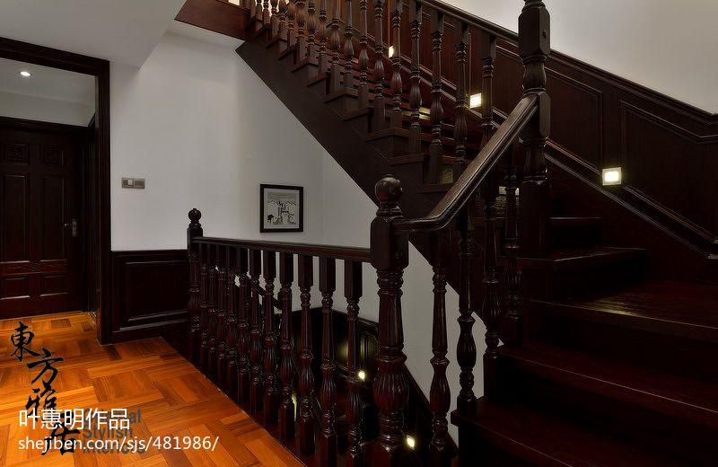 别墅实木楼梯装修效果图