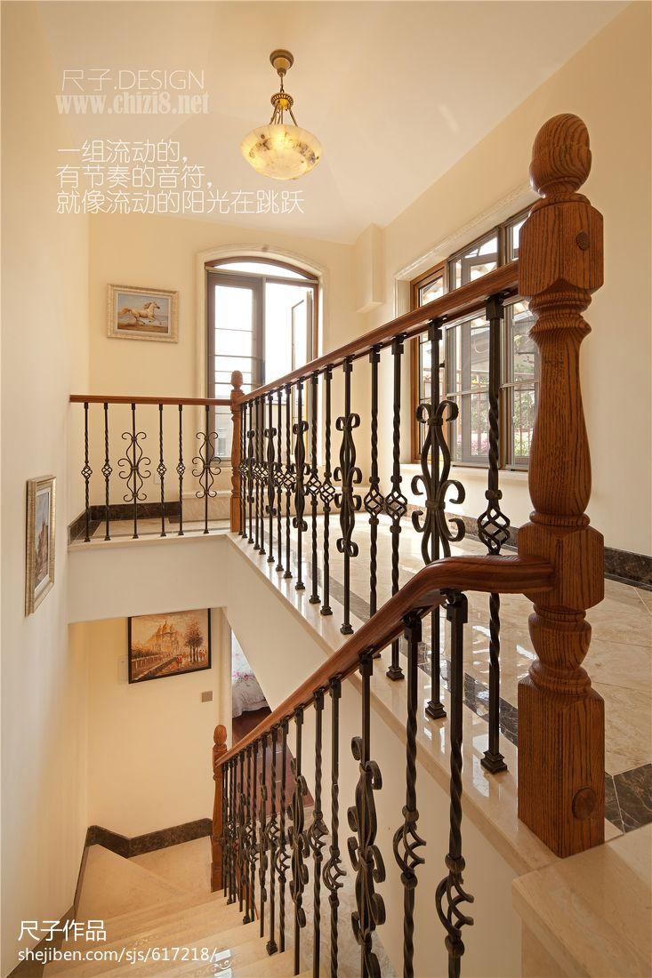 美式别墅楼梯玄关效果图欣赏