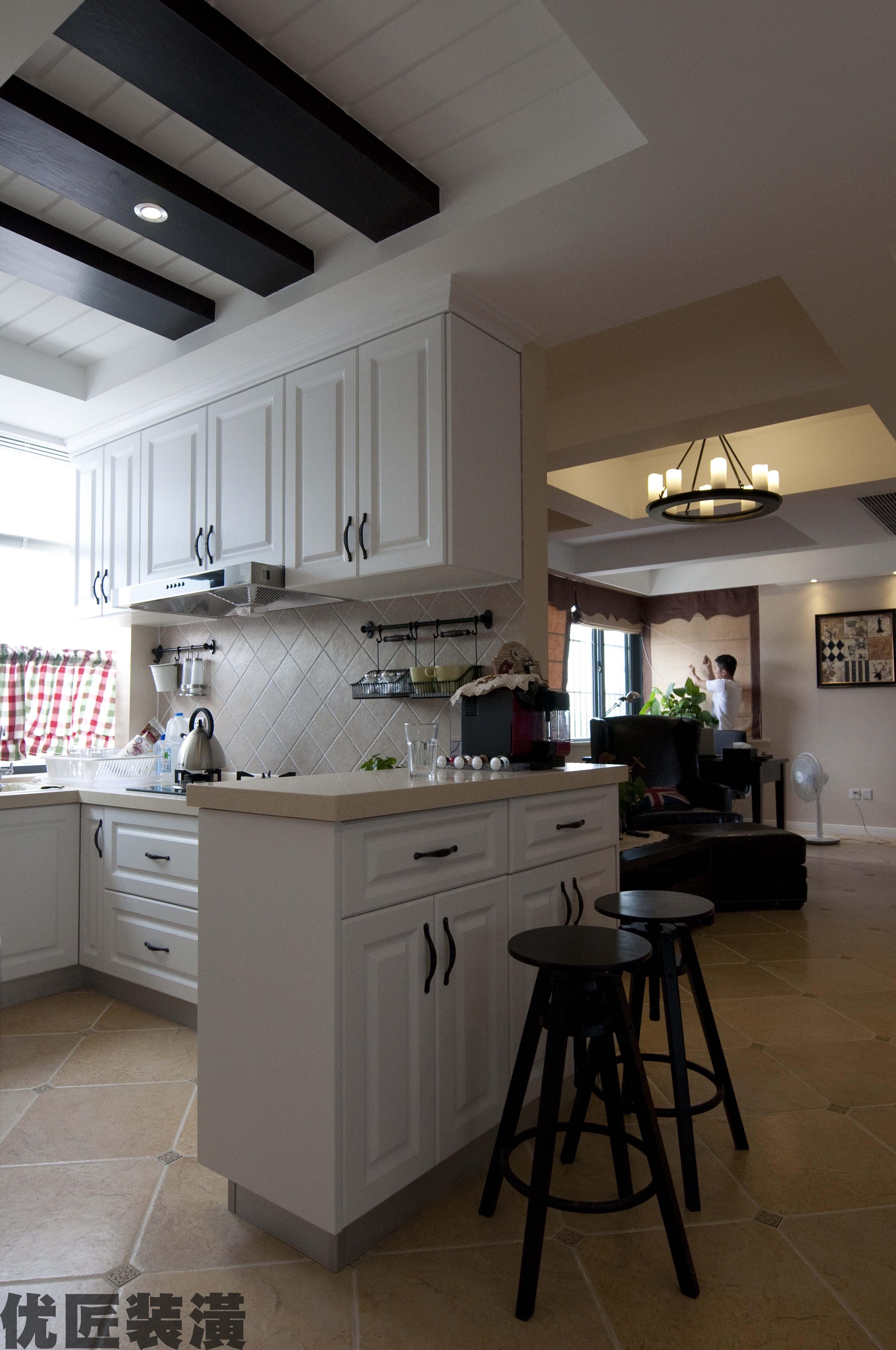 欧式家庭厨房吧台装修效果图图片
