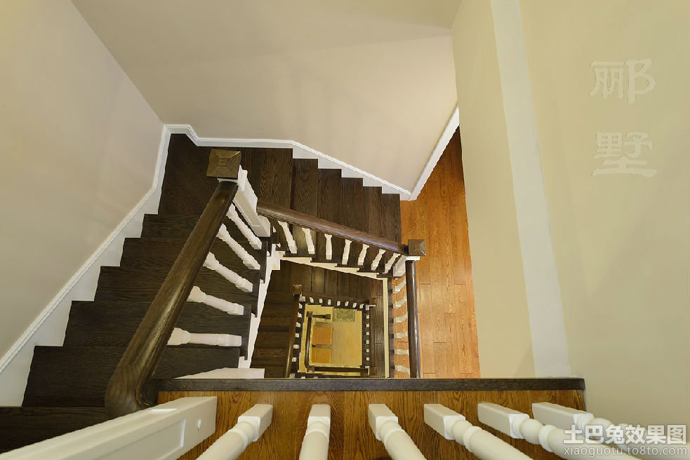 别墅旋转楼梯设计图 - 装修效果图 - 九正家居网