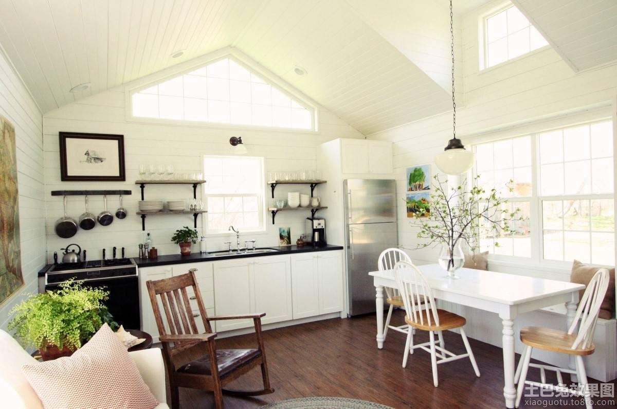 阁楼厨房装修图欣赏