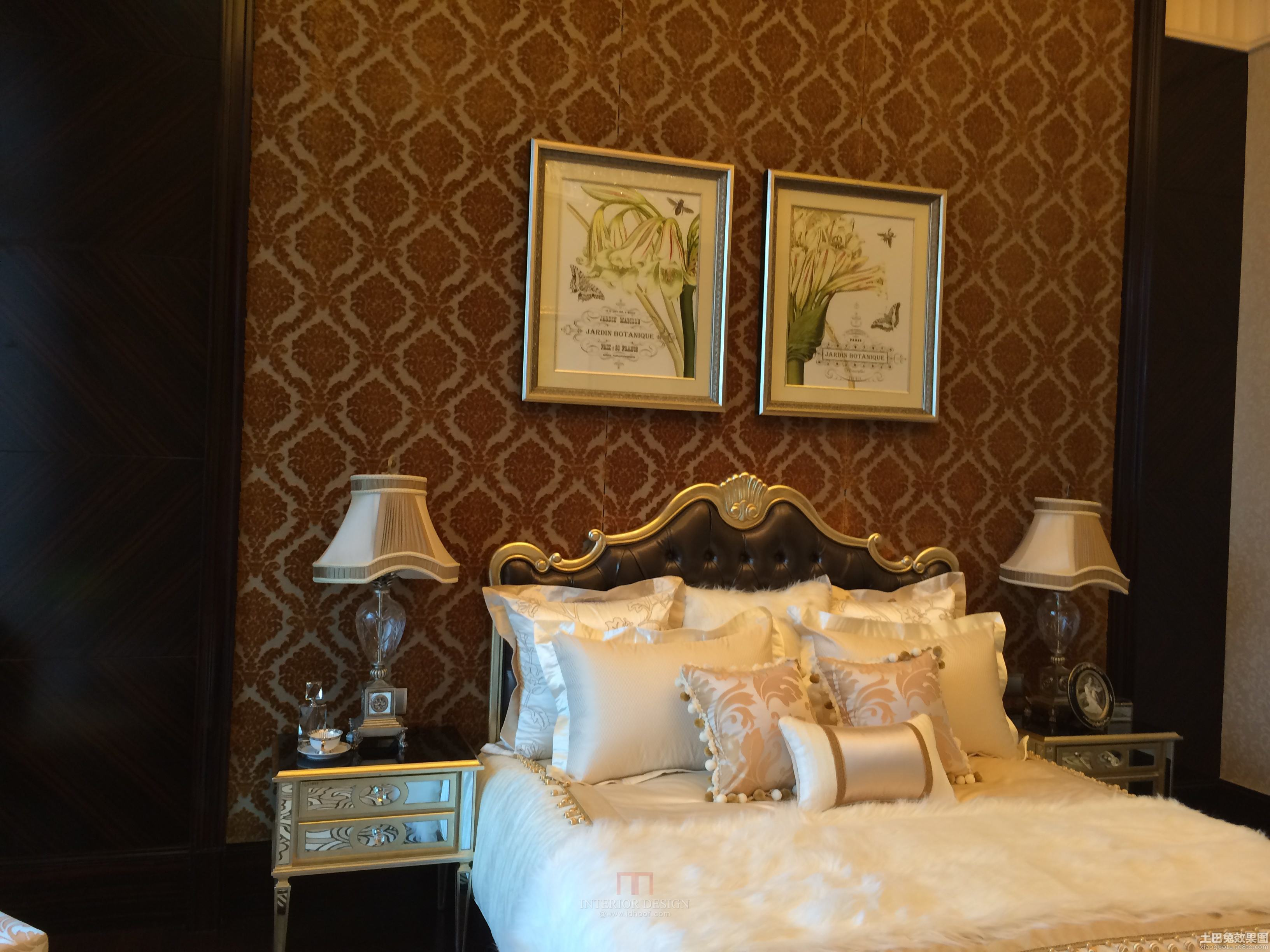 欧式风格三室两厅卧室床头灯具效果图