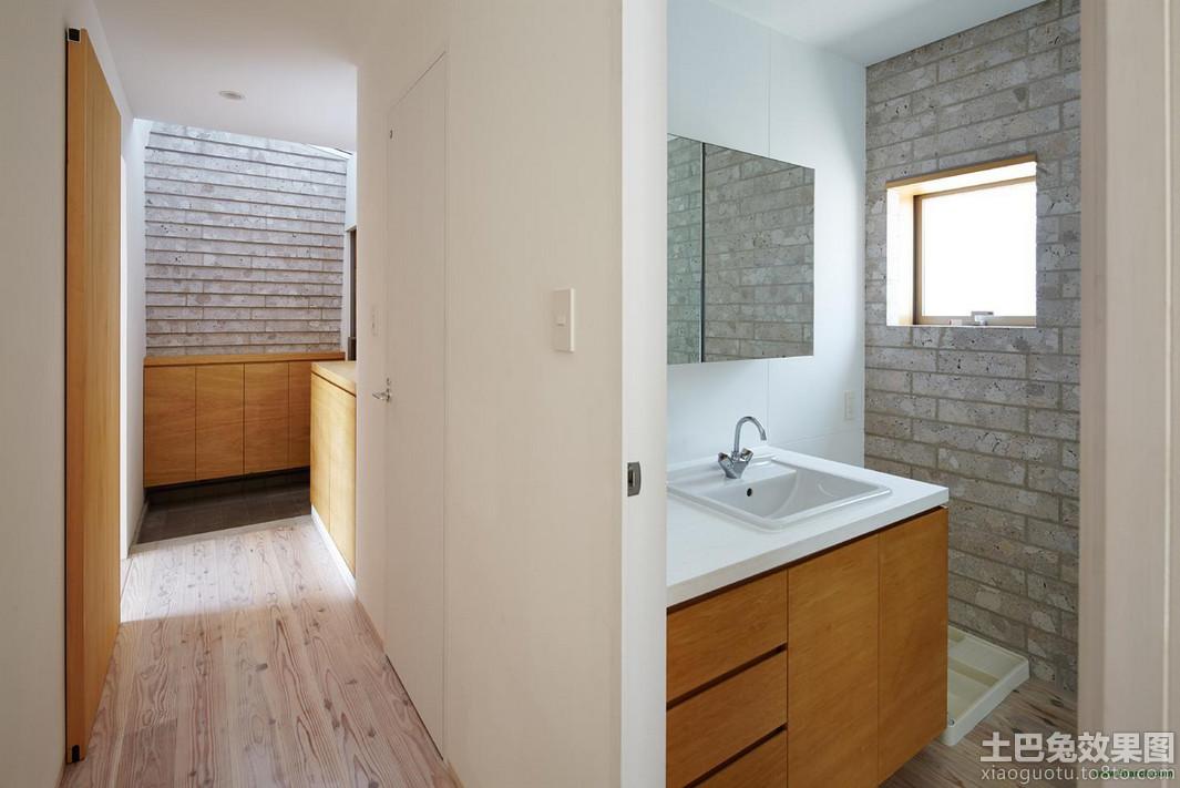日式复式卫生间隔墙装修设计