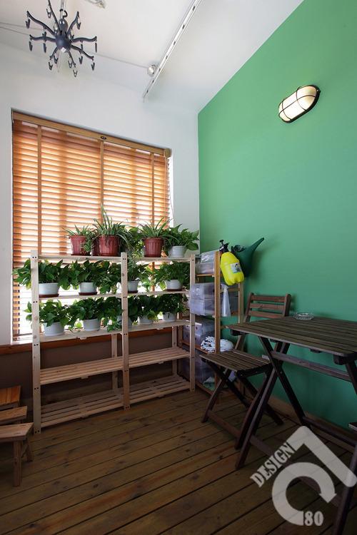 72㎡实木装修效果图,满墙书架,黑板漆