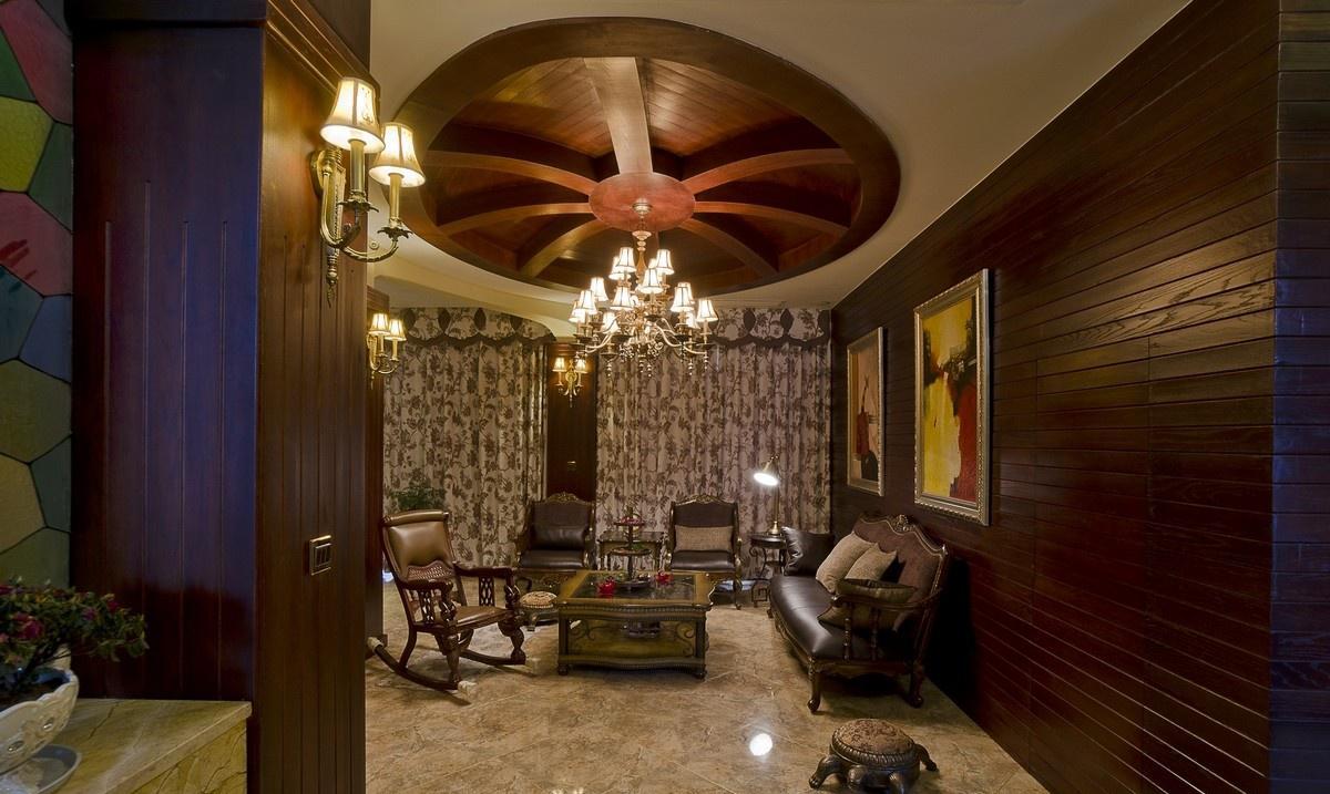 2013美式风格别墅客厅吊顶效果图图片