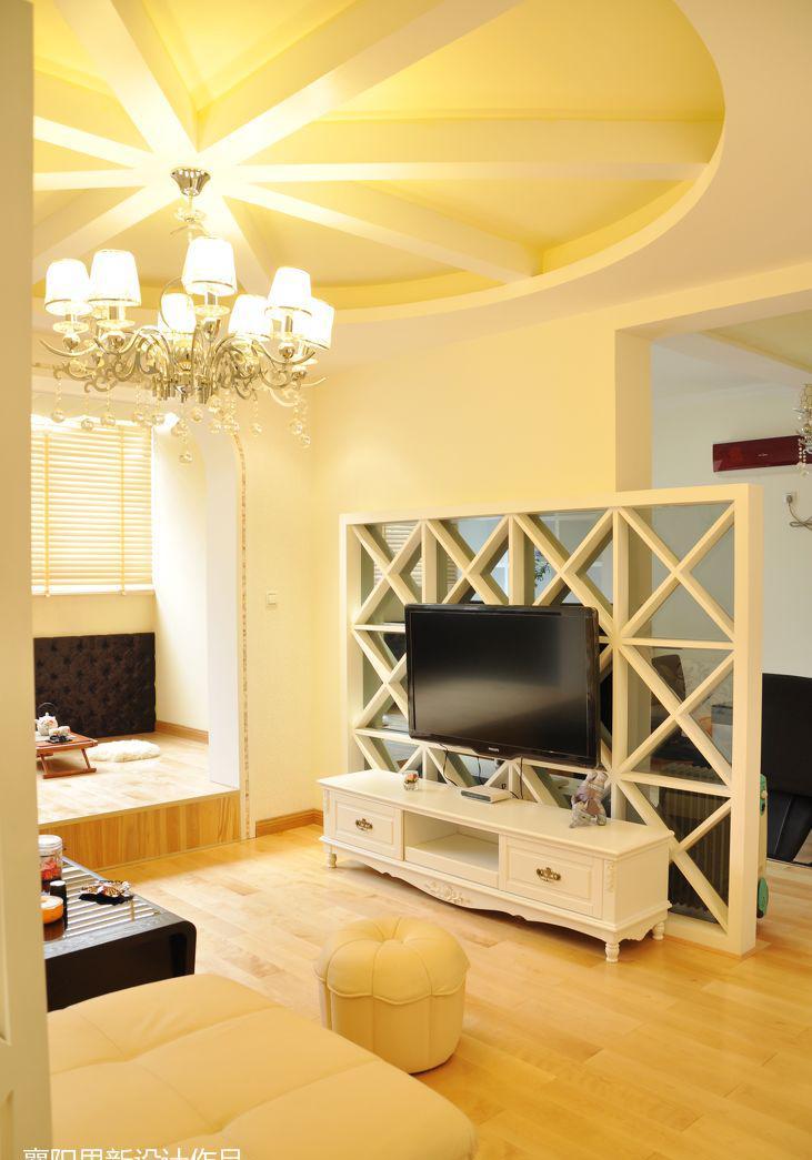 客廳鏤空電視背景墻隔斷設計