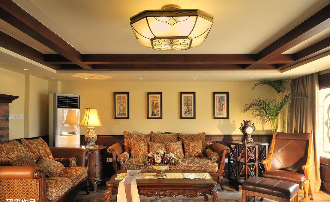 美式风格别墅客厅吊顶效果图