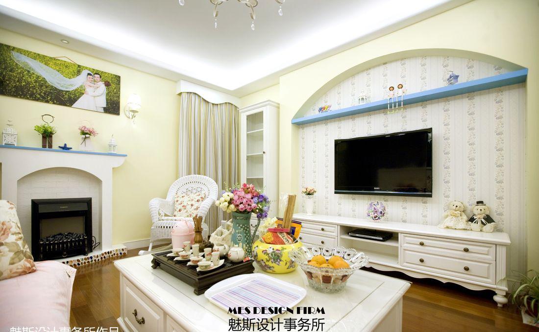 客厅电视背景墙壁纸装修设计图片