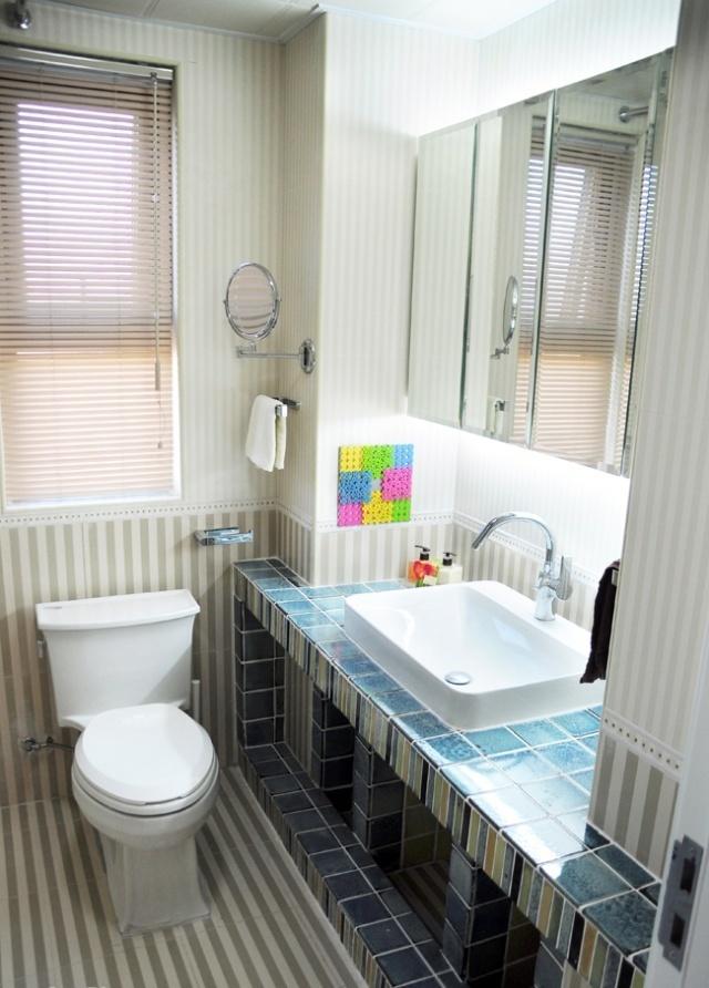 卫生间砖砌洗手台装修效果图片