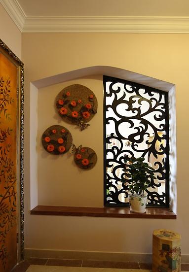 玄关壁龛镂空雕花隔断装修效果图