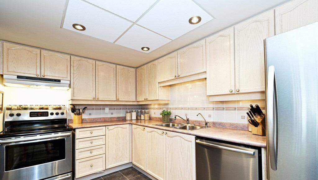现代一体式厨房设计图片