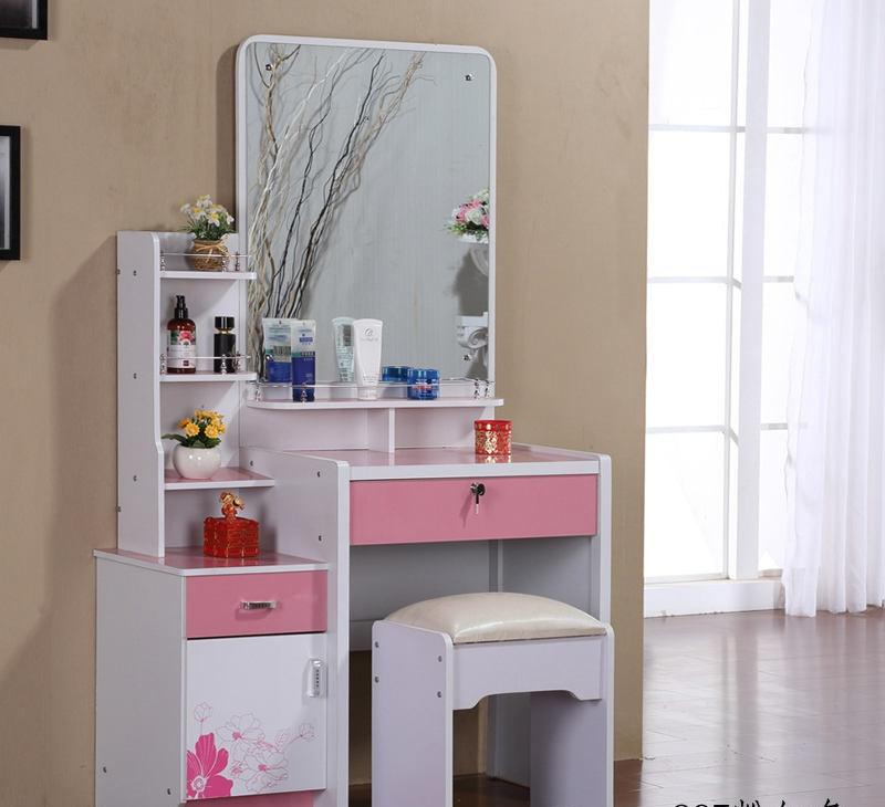 简约卧室梳妆台设计效果图