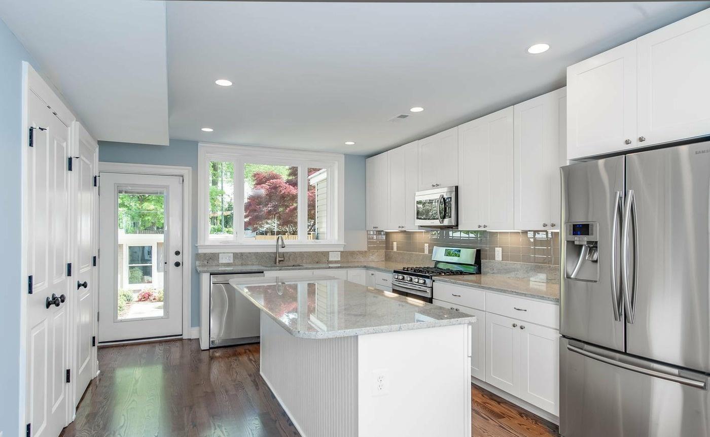 白色欧式大厨房装修图片