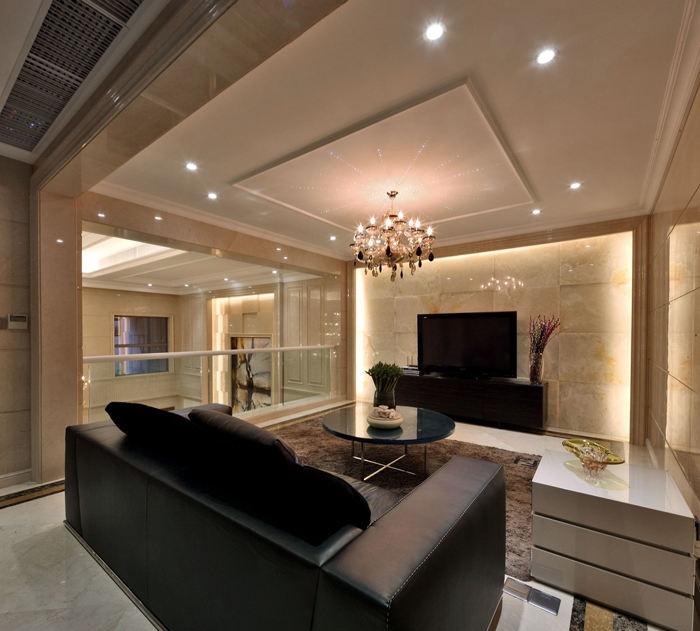 别墅二层客厅回形吊顶装修设计