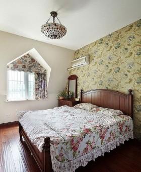 美式田园卧室壁纸装修效果图图片