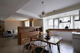 现代原木家居餐厅装修
