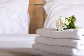毛巾与鲜花图片