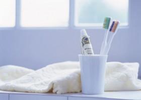 牙膏水杯毛巾图片